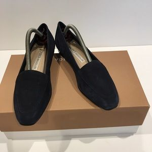Like New Enzo angiolini navy blue suede flat. 7.5M